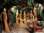 Dřevěný betlém na Skřivánčí stezce v Jablonci