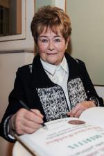 Cenu Pro Meritis převzala pěstounka Dobroslava Kricklová