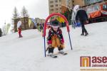 Karnevalový rej masek na tanvaldské sjezdovce zakončil zimní sezonu