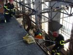 Společný výcvik hasičů pro práci ve výškách a nad volnou hloubkou