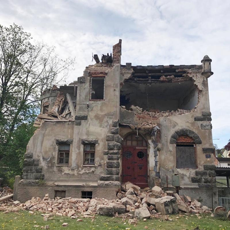 Začátek bourání zámečku Schlaraffia<br />Autor: Archiv magistrátu města Jablonec nad Nisou