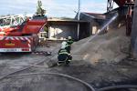 Požár v areálu pily v Jenišovicích