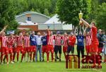 V Břízkách obdrželi pohár pro vítěze fotbalové divize