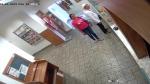 Hledaní muž a žena, které zachytila kamera na pobočce České pošty v Tanvaldě