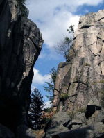 Vyhlídka zvaná Terezínka, která se nalézá na úbočí hory Muchov blízko Tanvaldu