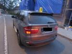 Srážka dvou aut v Krkonošské ulici v Desné