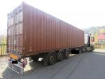 Nehoda v Josefově Dole, při které řidič s kamionem pohnul na viaduktu s kolejemi