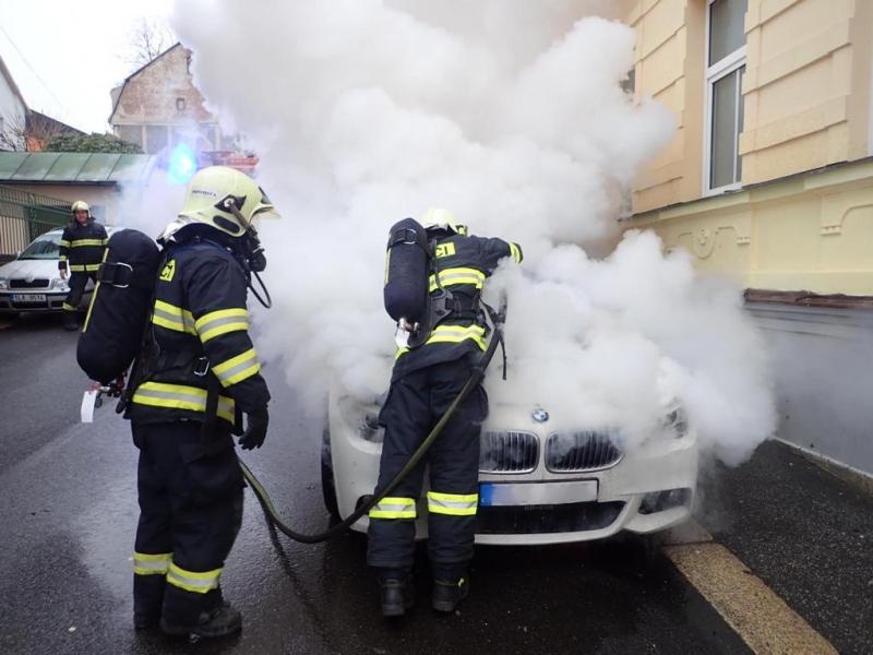 Požár osobního auta v Jablonci nad Nisou