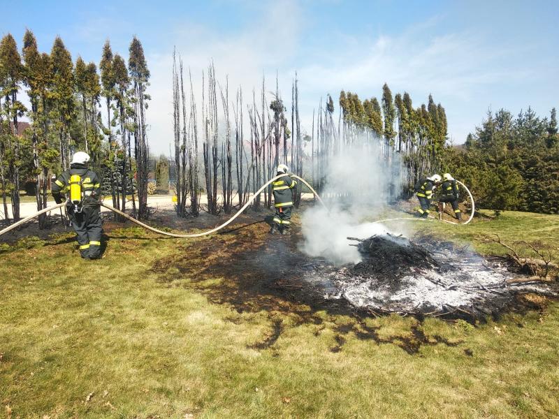 Požár tůjí v Liberci<br />Autor: HZS Libereckého kraje