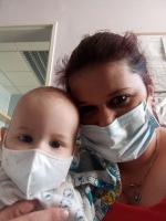 Dvouletý Honzík s maminkou Renátou Furmánkovou