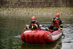 Cvičení hasičů na Harcovské přehradě