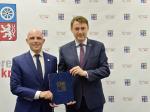 Podepsání smlouvy o spolupráci Libereckého kraje s DofE