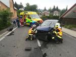 Po srážce dvou aut u Držkova odvezly sanity oba řidiče do nemocnice