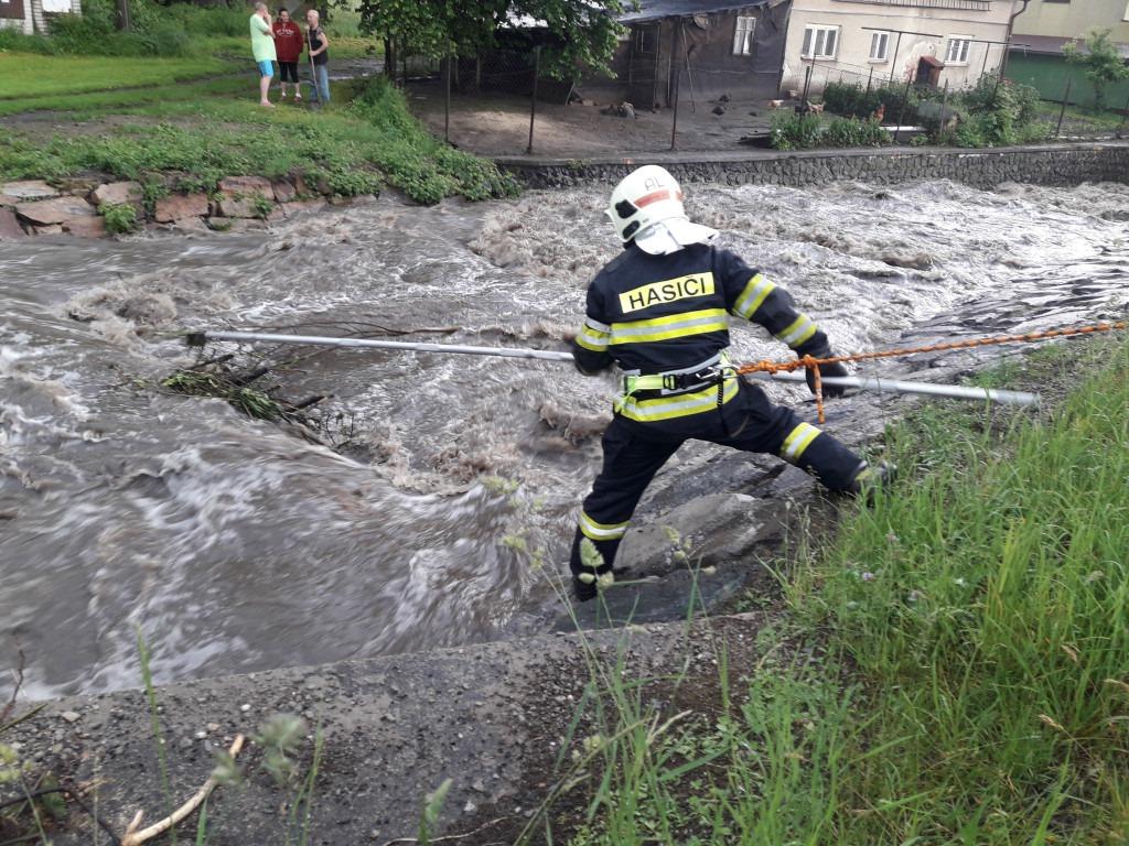 Zásahy hasičů po bouřce v Libereckém kraji<br />Autor: HZS Libereckého kraje