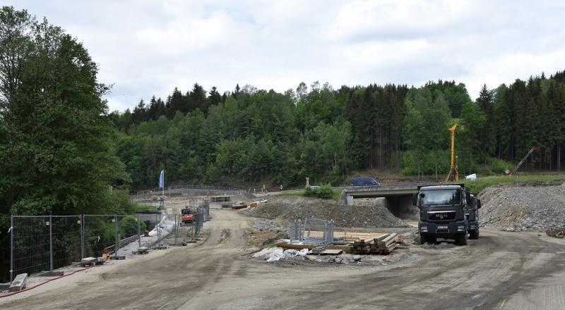 Aktuální stav rekonstrukce křižovatky Rádelský mlýn<br />Autor: Archiv KÚ Libereckého kraje