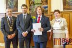 Předání vysvědčení maturantům Gymnázia a obchodní akademie Tanvald