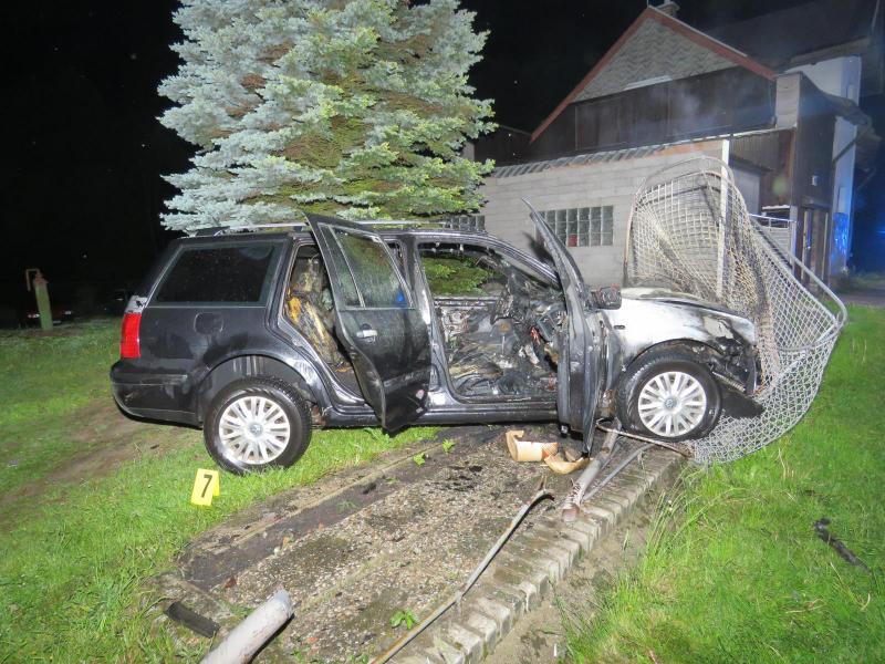 Nehoda s požárem auta v Tanvaldě