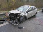 Mladý řidič při předjíždění v Lučanech po smyku a srážce vypadl z auta