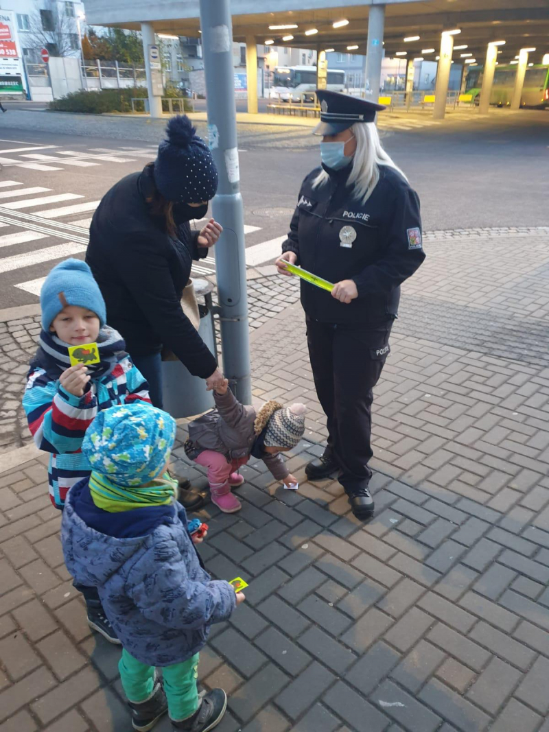 Kampaň policistů a Týmu silniční bezpečnosti Vidět a být viděn v Jablonci a Turnově<br />Autor: Archiv Policie ČR