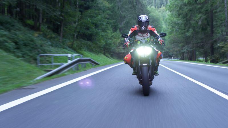 Motorkáři na kurzech Učme se přežít<br />Autor: Archiv KÚ Libereckého kraje